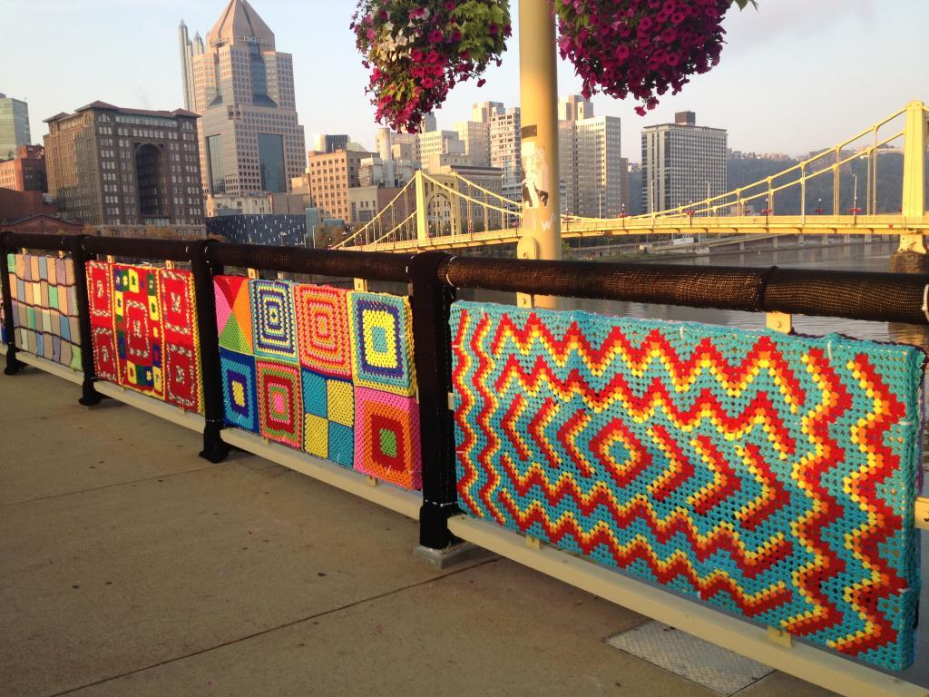 Уличное вязание по-новому стилю