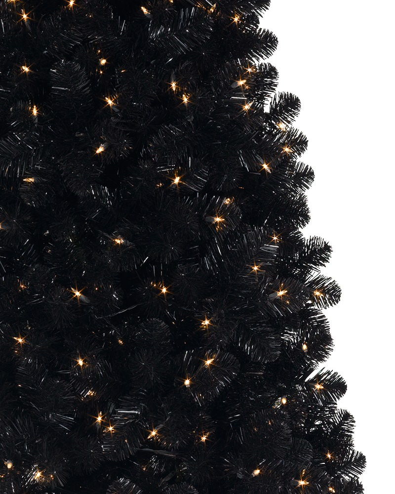 04-decorate-your-tree-with-only-lights-to-make-it-look-sophisticated-and-luxurious