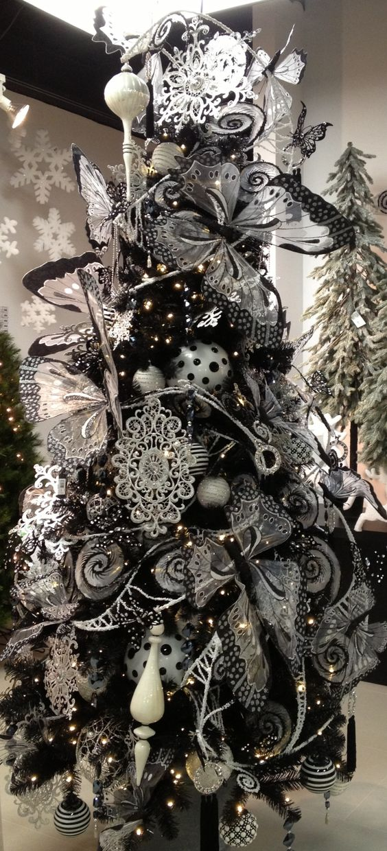 08-the-whole-tree-heavily-covered-with-romantic-black-and-white-ornaments