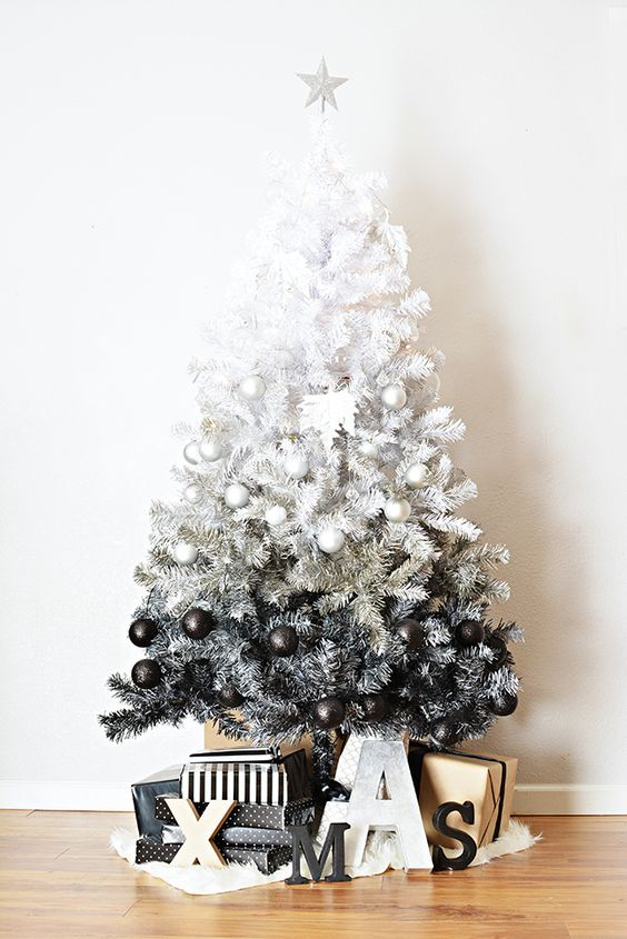 19-black-and-white-ombre-tree-with-matching-ornaments