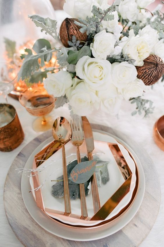 19-geometric-copper-charger-and-tableware-looks-very-elegant