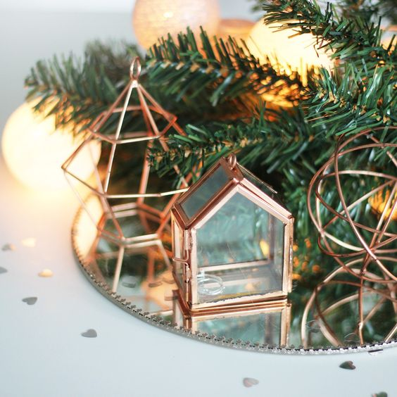 22-copper-decorations-of-wire-and-with-glass