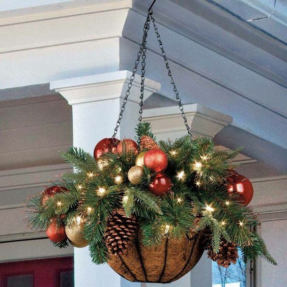 18-a-hanging-arrangement-wwith-ornaments-lights-and-evergreens
