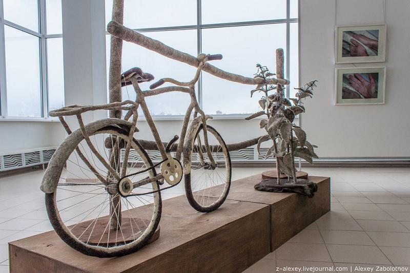 25-velosiped-iz-vojloka-na-vystavke-iriny-andreevoj