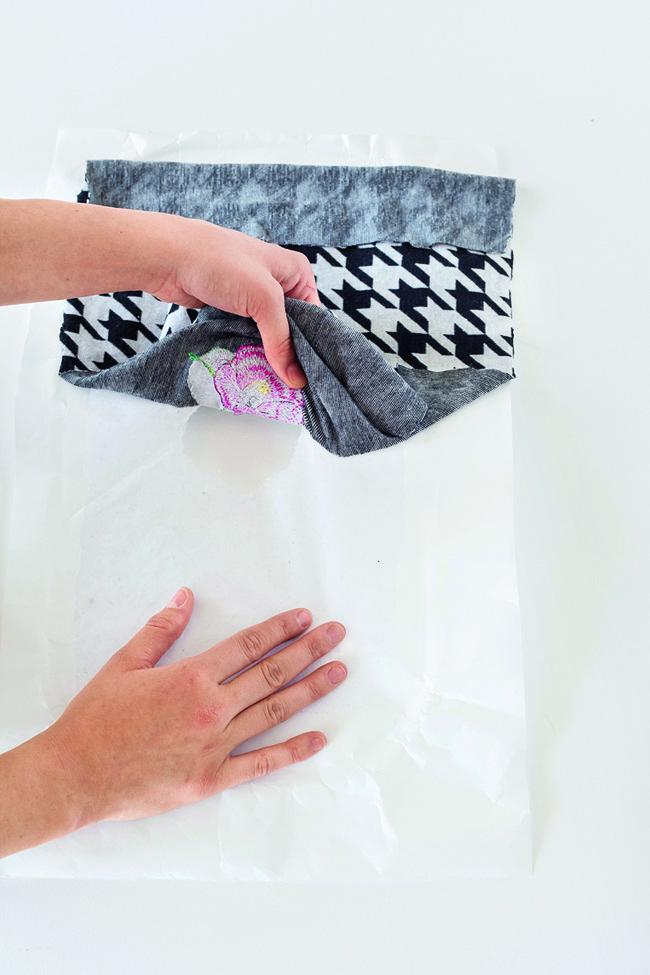 Модный снуд с вышивкой своими руками