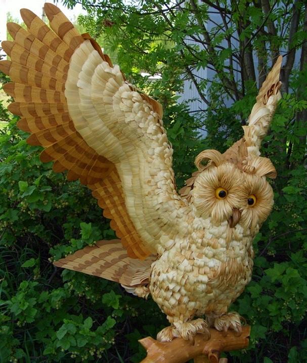 Удивительная скульптура совы из стружки Сергея Бобкова. Фото
