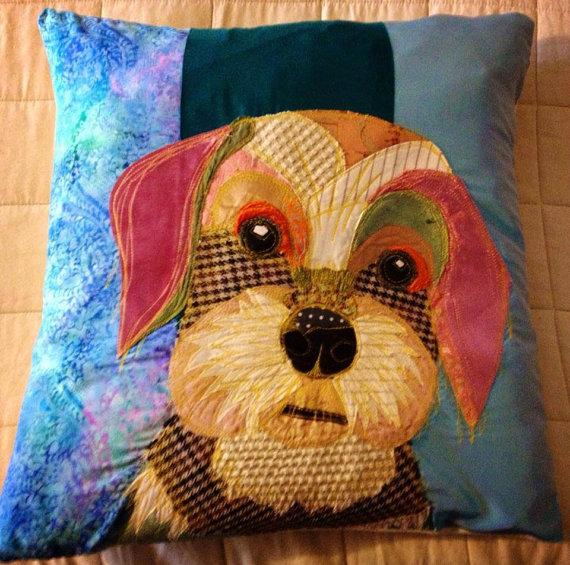 Подушки с аппликациями собак