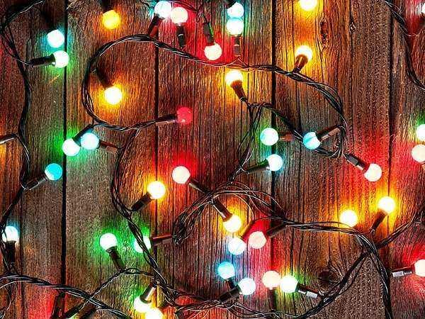 новогодние гирлянды для фасада дома, фото 9