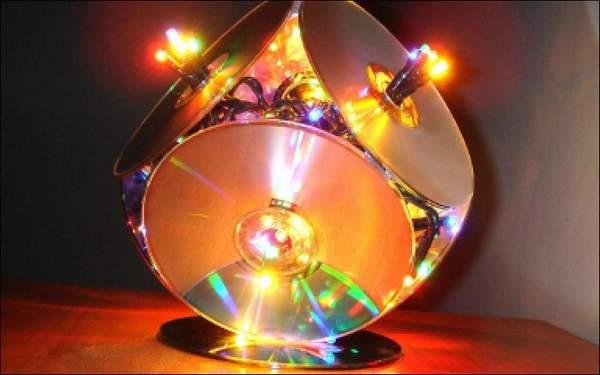 новогодняя игрушка из дисков своими руками, фото 7