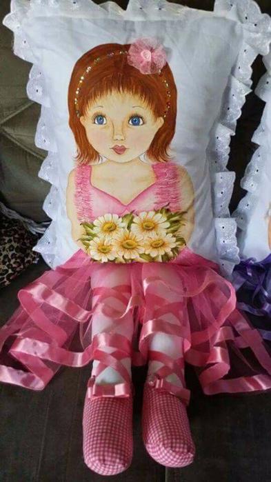 Детские подушки-куклы с росписью акриловыми красками (9) (393x700, 284Kb)