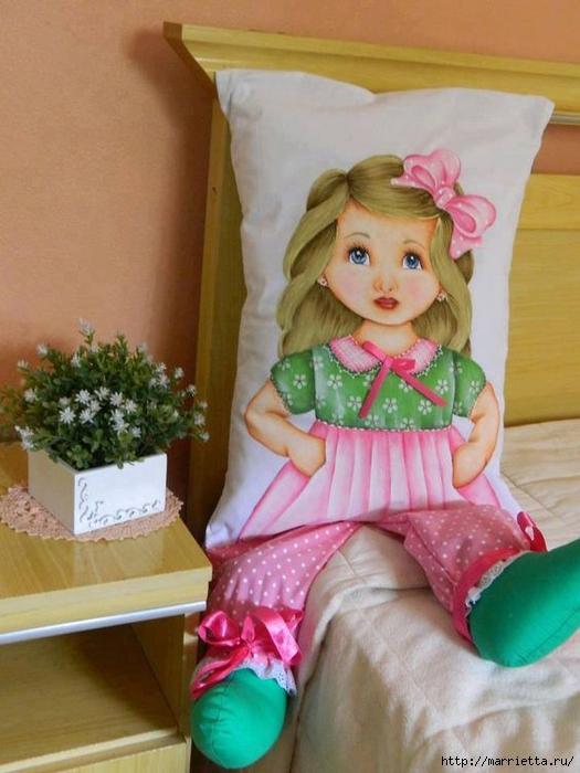 Детские подушки-куклы с росписью акриловыми красками (3) (525x700, 238Kb)