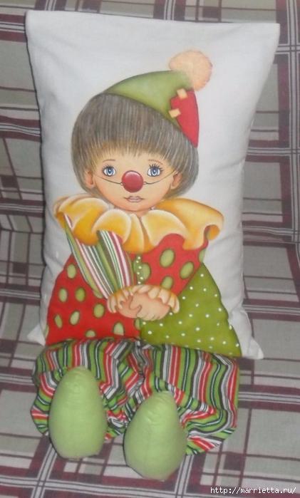 Детские подушки-куклы с росписью акриловыми красками (4) (421x700, 192Kb)