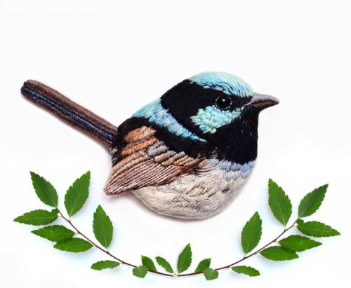 Вышитые броши в виде птиц от Паулины Бартник (27 фото)