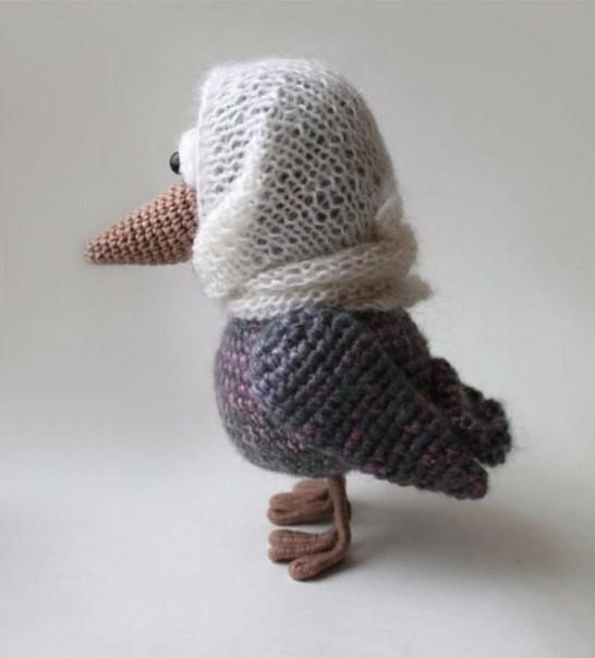Вязание спицами для новорожденных: пинетки, шапочки, конверт 31