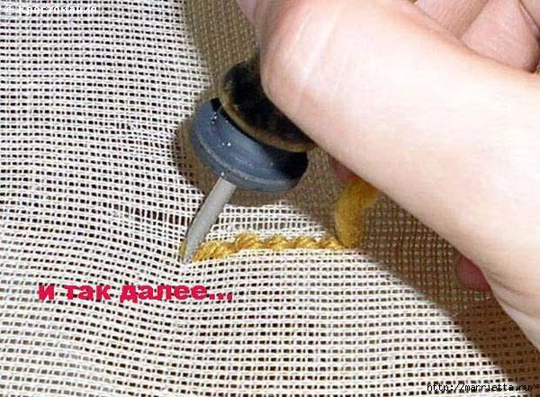 Вышивка ковровой техникой с помощью специальной иглы (18) (600x441, 230Kb)