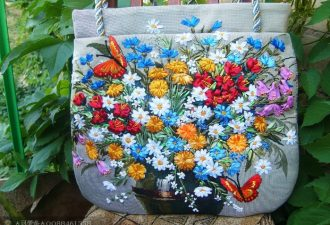 Летние сумки ручной работы вышитые лентами) Как Вам?