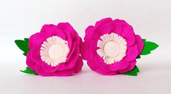 брошка цветок