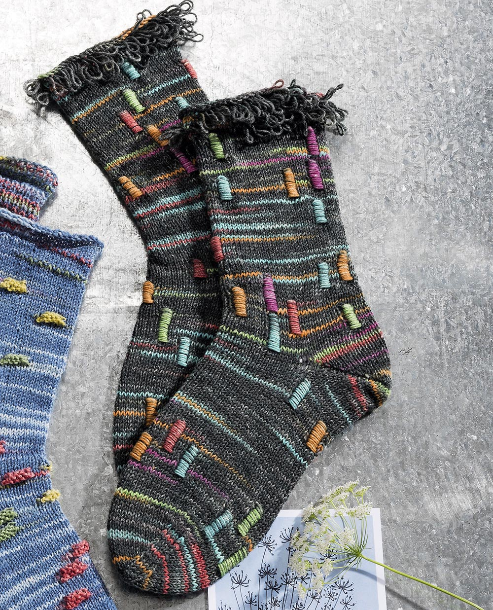 Носки с цветными цилиндрами