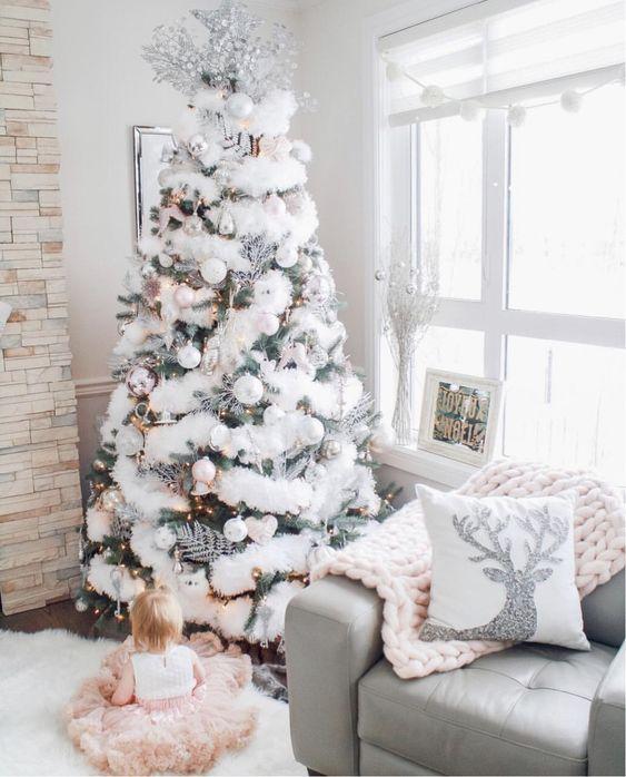 белый новогодний декор