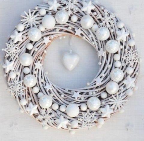 новогодний декор в белом цвете