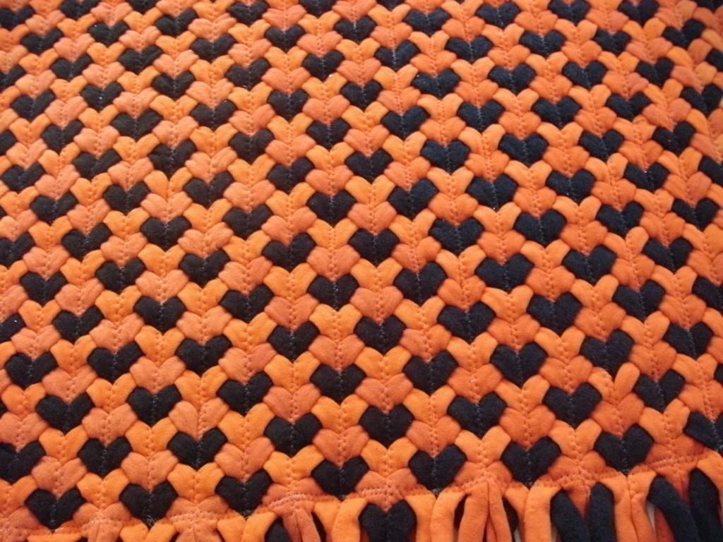 коврик из футболок на сайте переделок одежды www.secondstreet.ru