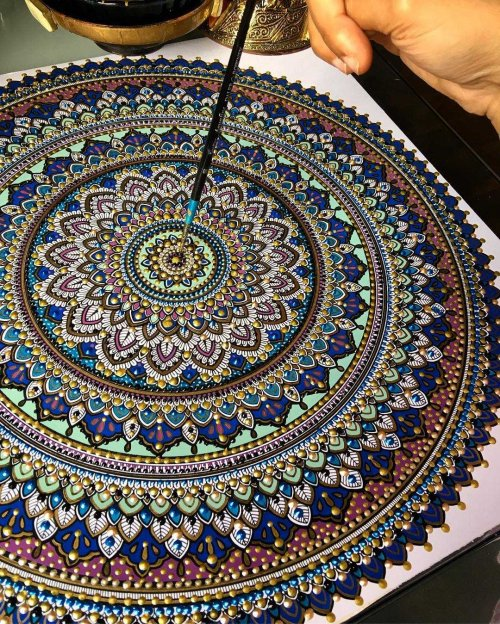 Красочные мандалы художницы Асмахан Мослех (8 фото)
