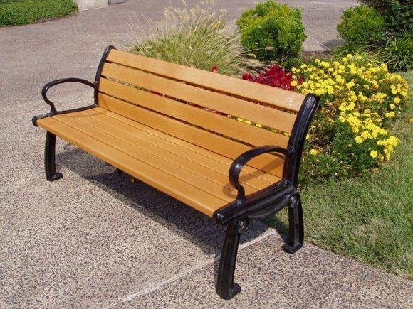Деревянная скамейка для дачных участков